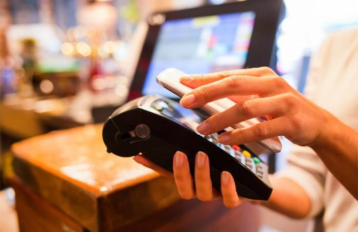 Apple se asocia con American Express para nuevo sistema de pago