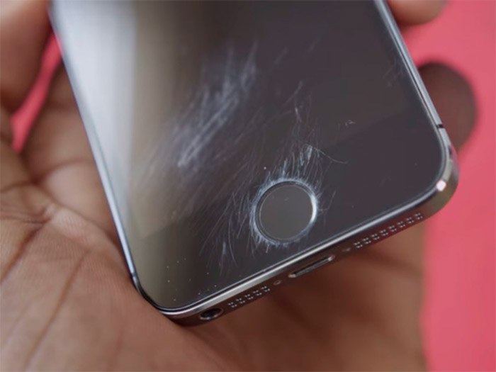 Las pantallas del iPhone 6 se rayan con facilidad